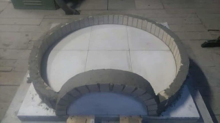 Budowa pieca do pizzy podłoga szamotowa